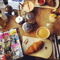 Photo taken at Le Pain Quotidien by Marsushi on 2/22/2013