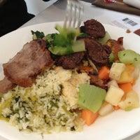 Photo prise au Paulinho's Grill par Petal W. le11/29/2012