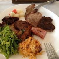 11/29/2012 tarihinde Petal W.ziyaretçi tarafından Paulinho's Grill'de çekilen fotoğraf