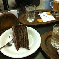 Foto tomada en Coffee & Choc por Pauli Brujis-Ѽ- L. el 6/14/2013