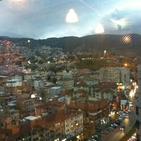 12/1/2012 tarihinde Burak Ü.ziyaretçi tarafından Maviyel Cafe'de çekilen fotoğraf