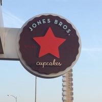 Photo taken at Jones Bros. Cupcakes by Bart on 5/7/2013