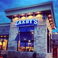 Photo taken at Zaxby's Chicken Fingers & Buffalo Wings by Bart on 8/6/2013