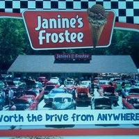 4/6/2013 tarihinde Dain B.ziyaretçi tarafından Janine's Frostee'de çekilen fotoğraf