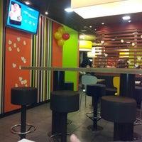 Снимок сделан в McDonald's пользователем Timur G. 11/26/2012