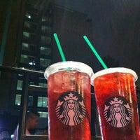 Foto tomada en Starbucks por Amy G. el 6/2/2013