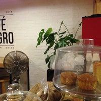 Foto tomada en Café Negro por Rene S. el 10/12/2013