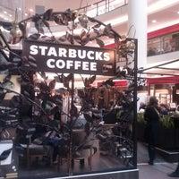 Снимок сделан в Starbucks пользователем Alya V. 4/29/2013