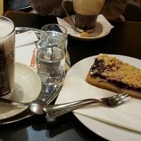 Das Foto wurde bei Cafe Cappuccino von Merve K. am 11/20/2015 aufgenommen