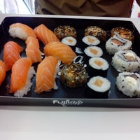 Foto tirada no(a) Fujisan Sushi por Renan S. em 3/11/2014