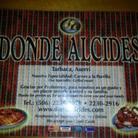 Photo taken at Donde Alcides by Rafael Q. on 1/2/2013