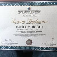 Photo taken at Anadolu Üniversitesi Açıköğretim Fakültesi Bürosu by Halil Ö. on 8/23/2017