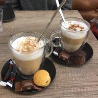 Photo taken at Eetcafé Retro by Valérie 🍍 on 10/12/2017