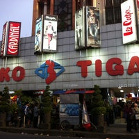 Photo taken at Toko Tiga - Original Jeans Centre by Nur A. on 1/29/2013