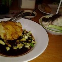 Photo taken at Pempek & Es Kacang Vico by Mega F. on 12/27/2012