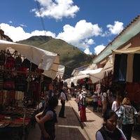 Foto tirada no(a) Pisac Market por Alejo F. em 4/15/2013