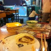Photo taken at 8号苑秘制火锅(安定门店) by Rachel G. on 8/3/2014