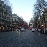 Photo taken at Boulevard de la Madeleine by GARY on 11/29/2017