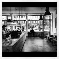 Foto tomada en The Barn - Roastery por Julian L. el 12/5/2012