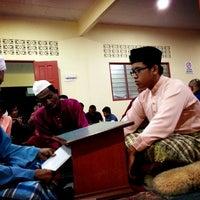 Photo taken at Masjid Tok Bandar by Khairi B. on 3/1/2013