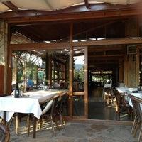 6/20/2013 tarihinde Erkin D.ziyaretçi tarafından Hanedan Restaurant'de çekilen fotoğraf
