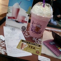 Photo taken at The Coffee Bean & Tea Leaf by Rafael J. on 12/19/2012