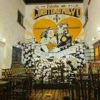 Foto tomada en Pócimas Legítimo Bar Galería por Steven C. el 7/21/2013