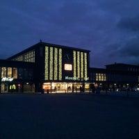 Das Foto wurde bei Duisburg Hauptbahnhof von Oxana L. am 11/29/2012 aufgenommen