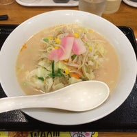 Photo taken at 長崎ちゃんぽん リンガーハット 東京東久留米店 by goshin on 9/13/2014