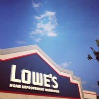 Photo taken at Lowe's Home Improvement by Elysa E. on 7/6/2013