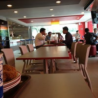 Photo taken at KFC by Decky Y. on 5/21/2013
