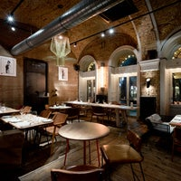 1/24/2018 tarihinde innio restaurant and barziyaretçi tarafından innio restaurant and bar'de çekilen fotoğraf