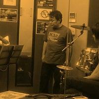 Photo taken at スタジオ 音楽館 上野御徒町 (上野御徒町音楽館) by Benny on 10/30/2013