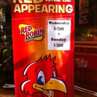 Photo taken at Red Robin Gourmet Burgers by Roy H. on 9/30/2012