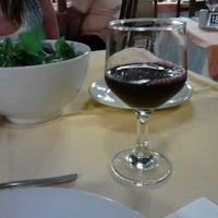 Foto tirada no(a) Restaurante Sbornea's por Cristine F. em 11/28/2012