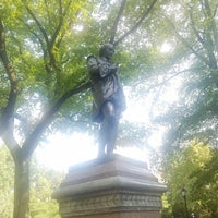 Photo taken at William Shakespeare Statue by Jessica K. on 8/5/2018