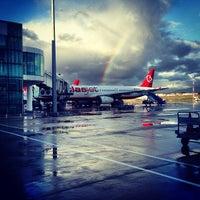 Photo prise au İzmir Adnan Menderes Havalimanı (ADB) par Öğünç B. le2/11/2013