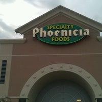 Снимок сделан в Phoenicia Specialty Foods пользователем Onder K. 12/23/2012