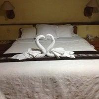 Foto tomada en Gringo Bill's Hotel por Oksana R. el 4/26/2013