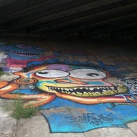 9/29/2012 tarihinde Jamie S.ziyaretçi tarafından Atlanta BeltLine Corridor under Freedom Pkwy'de çekilen fotoğraf