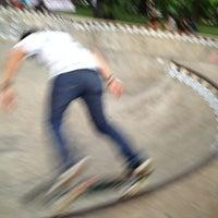 Foto tirada no(a) Greenpark Skatepark por Rino M. em 6/21/2013