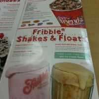 Photo taken at Friendly's by Tripp W. on 12/29/2012