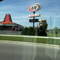 Photo taken at A & W by 💀Charlie🇺🇸 B. on 5/13/2015