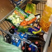 Foto scattata a Hannaford Supermarket da Bobby L. il 1/26/2013