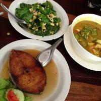 Photo taken at Nern Khum Thong Restuarant by ชุ แ. on 6/11/2013