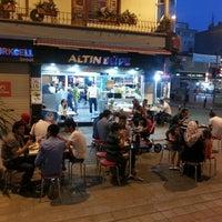 Photo prise au Altın Büfe & Kokoreç par Yusuf E. le7/30/2013