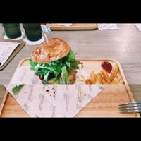 Photo taken at handwich + CAFE 漢明治 by Lion H. on 7/4/2015