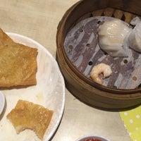 Photo taken at Xin Wang Hong Kong Café by Lipstouched on 8/8/2016