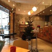 Photo taken at FabCafe Tokyo by てれさ on 12/4/2012