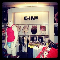 Das Foto wurde bei Brunos - Gay Shopping World von Dimitri B. am 12/19/2012 aufgenommen